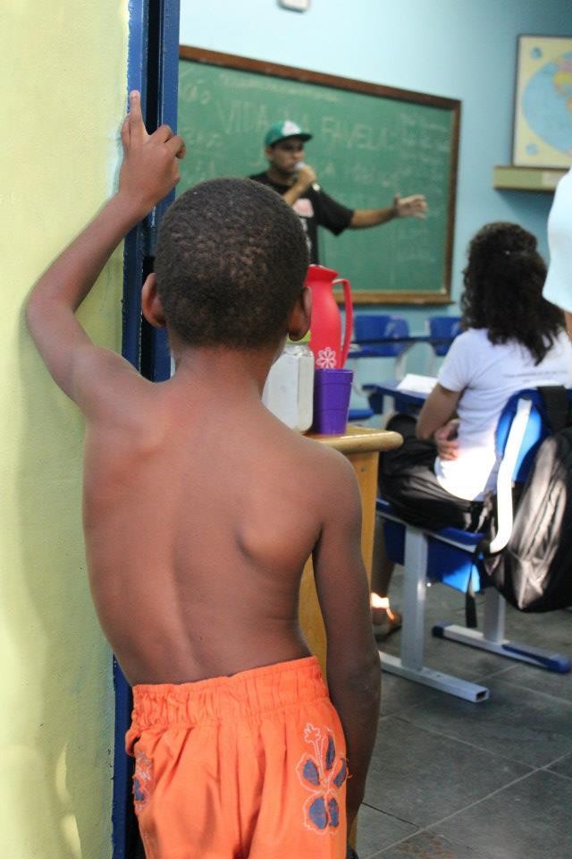 Life in the Favela: Public Security in Debate in Maré. Photo by Eliano Felix/O Cidadão