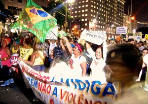 favela protest capa