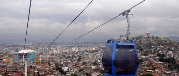 Residents criticize the Alemão cable car