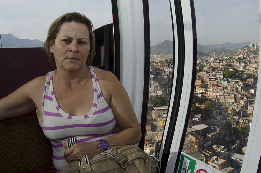 Maria Dolores uses the cable car daily. Photo by Rodrigues Moura