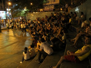"Residents gather for the 2nd ""Fala Vidigal"" Debate. Photo by Michel Jacquet"