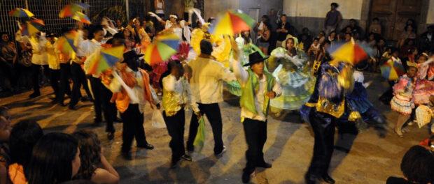 Cultural event in a public square in Proviência. Photo by Maurício Hora