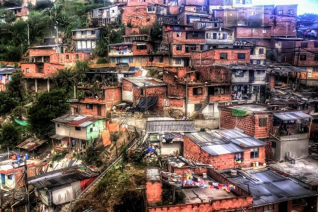 Favelas across latin america interactive map for Barrio el jardin cali colombia