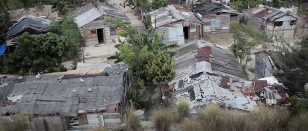 A 'llega y pon' in Cuba
