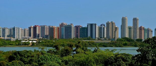 Barra da Tijuca's gated condominiums