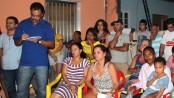 Robson takes notes Vila União