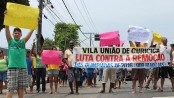Vila União residents protest against eviction