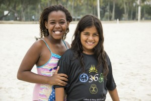 Ana Alice, 11, and her friend Raine, nine, sum up their experience: It's good to share!