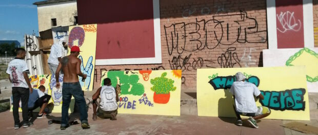 Grafitti exhibition by young Manguinhos residents