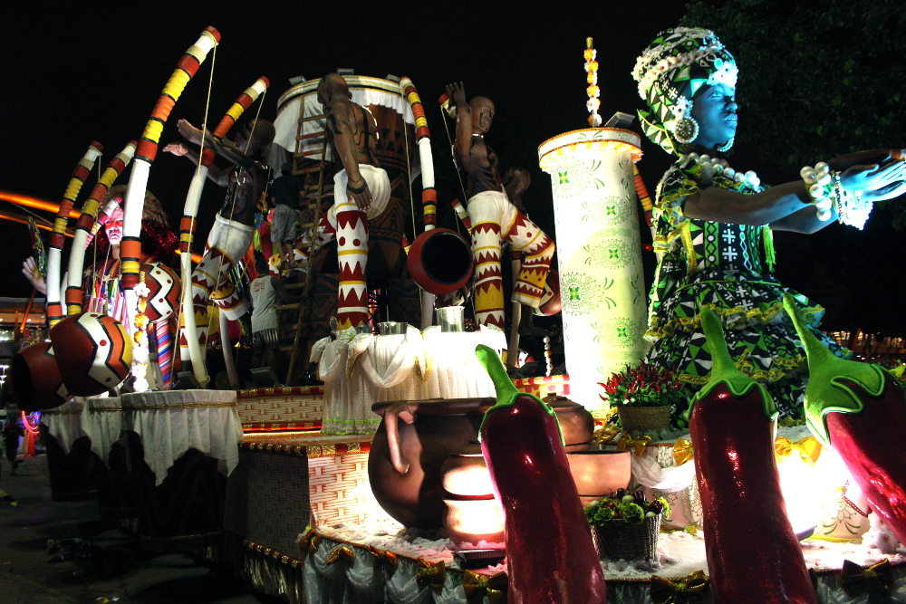 A float in the GRES Imperatriz Leopoldinense parade representing African heritage. This year's theme honored Nelson Mandela.