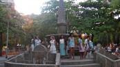 Casa Geração students showcase their work at General Osório Plaza in Ipanema