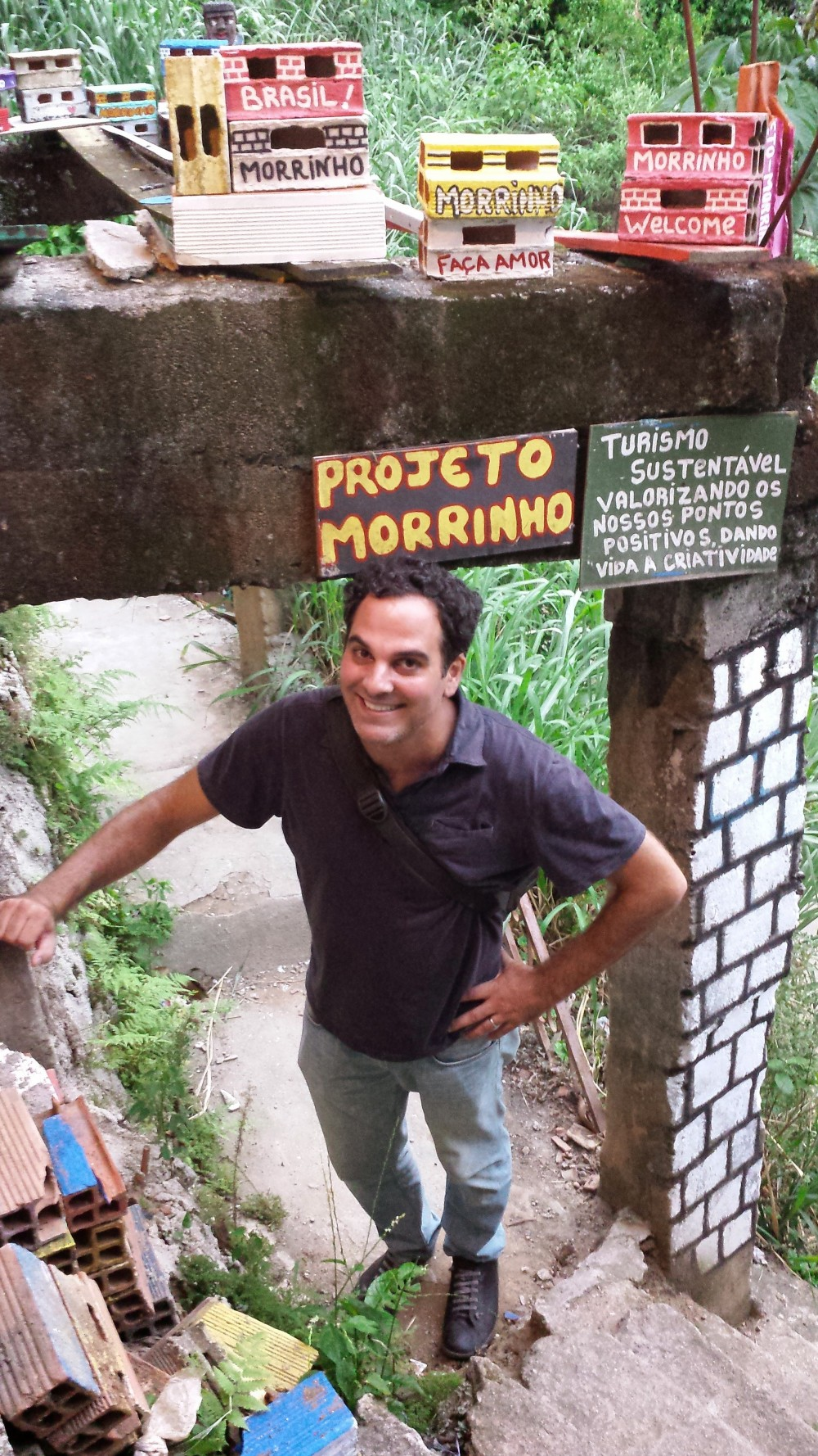 Anthropologist Alessandro Angelini at Project Morrinho.