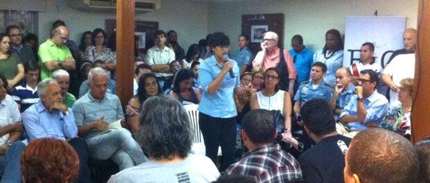Daiene from Voz das Comunidades speaks.
