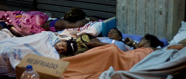 CEDAE occupiers are now sleeping in Cinelandia in a protest to get housing. Photo: Katja Schilirò