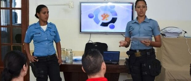 UPP officers give a presentation on proximity and integration projects. Photo by UPP RJ