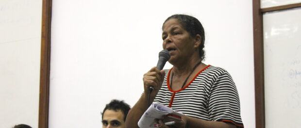 Jane Nascimento gives her testimony of the struggle in Vila Autódromo
