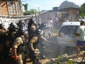 Conflict at attempted demolitions in Vila Autódromo