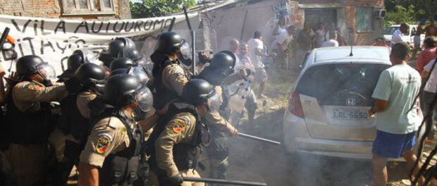 Conflict at attempted demolitions in Vila Autódromo
