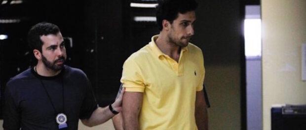 'Playboy' José Phillipe Ribeiro de Castro sendo preso. Foto: O Globo