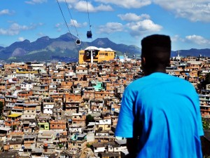 Marcelo looks out over Complexo do Alemão
