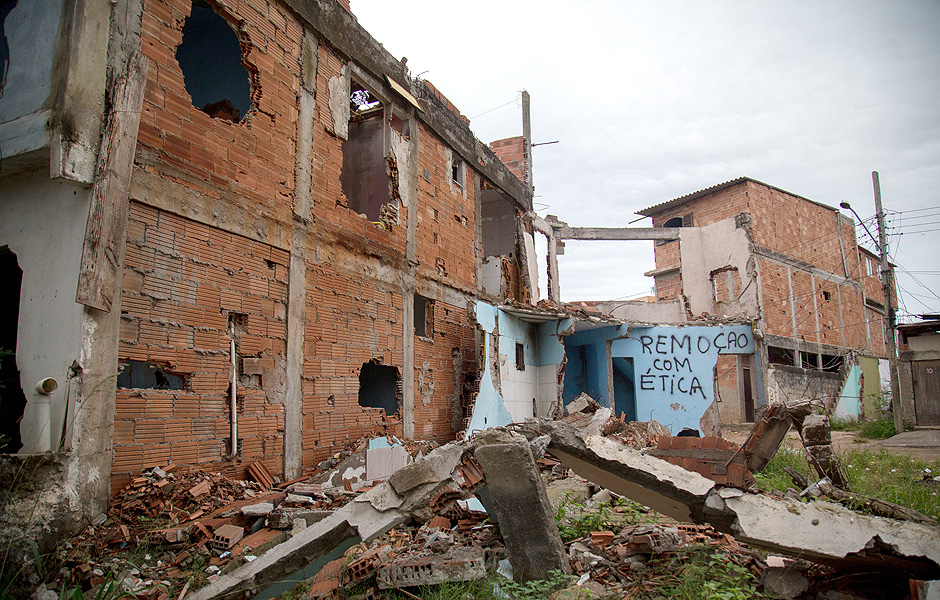 Vila Autódromo, favela where hundreds of families were removed. Image: Mauro Pimentel / Folhapress