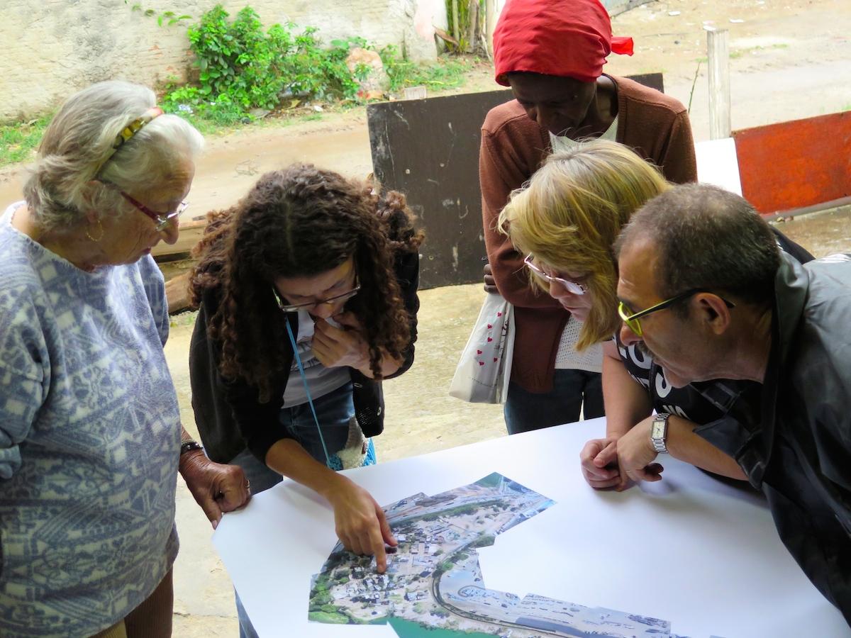 Vila Autodromo mapping