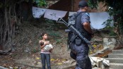 UPP occupation of Lins favela, by Luiz Baltar