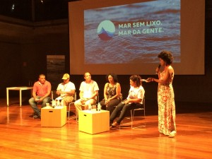 Communities debate pollution in the Guanabara Bay