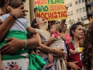 Women protest Cunha's proposed abortion law in Rio, Nov 12, 2015. Photo by Mídia NINJA