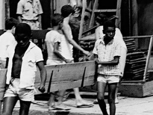 Removal in Catacumba, 1968. Photo by Correio da Manhã