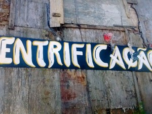 Gentrification banner in Santa Marta