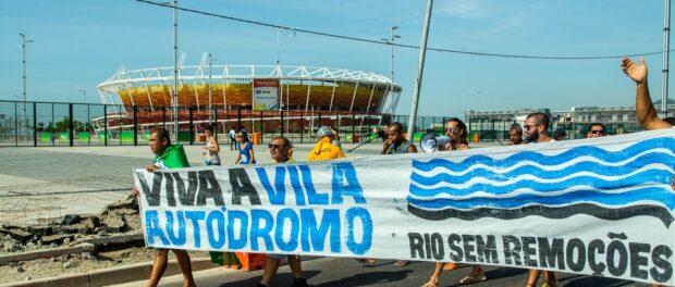 Vila Autódromo residents protest