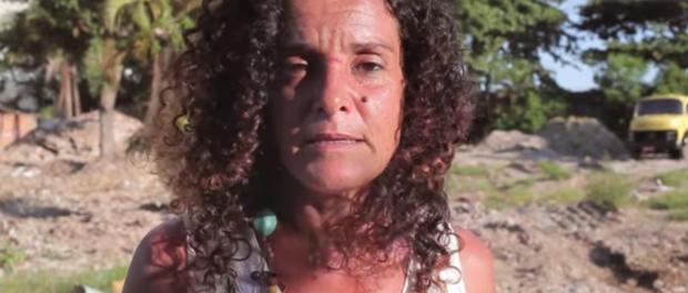 Sandra, moradora da Vila Autódromo