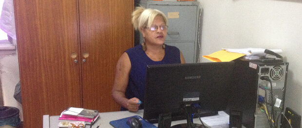 Monica Cunha at work_resize