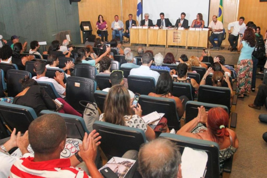 Public meeting for the Zacarias community at Alerj
