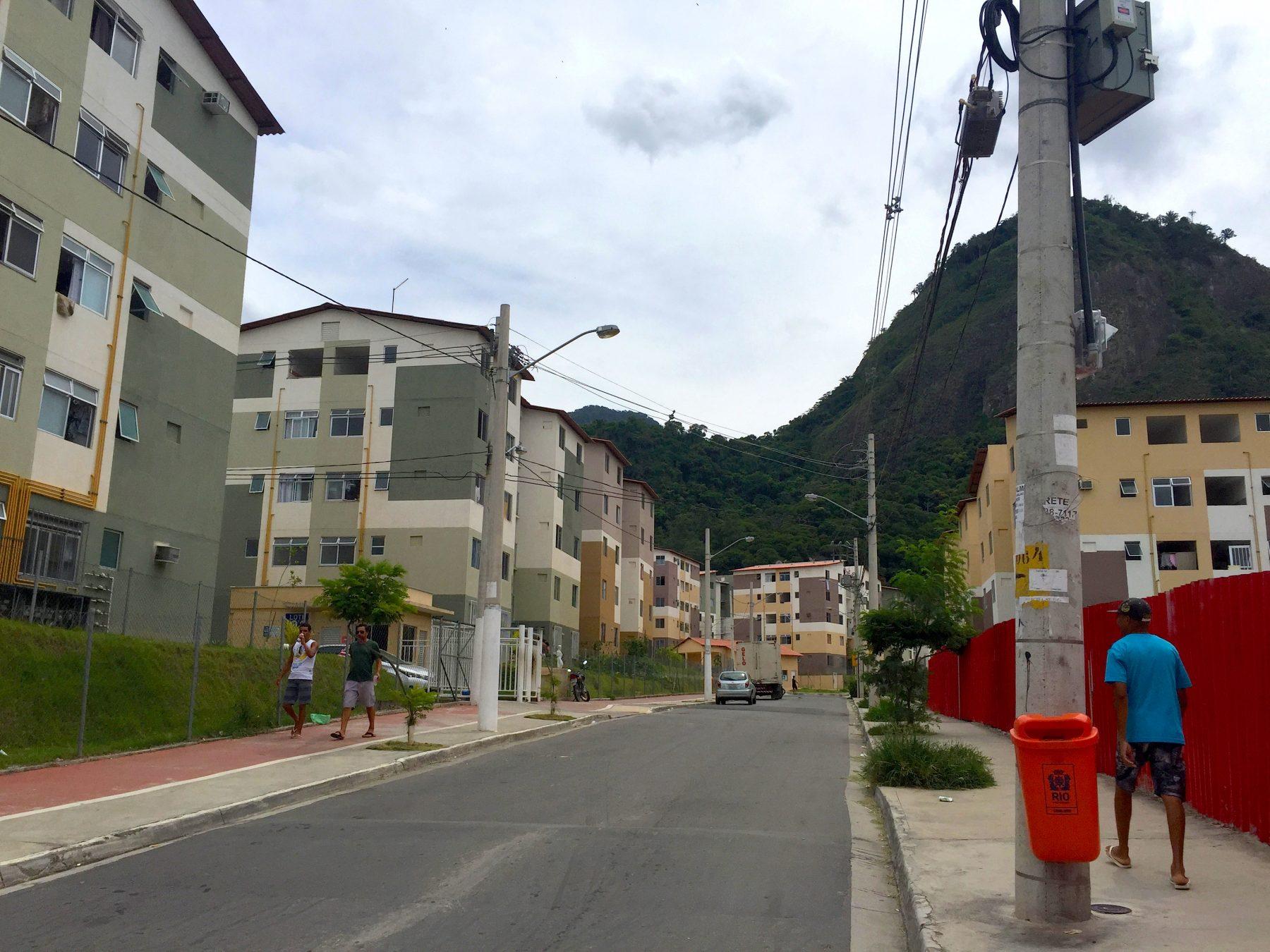 Gated lots line the main road into Parque Carioca.