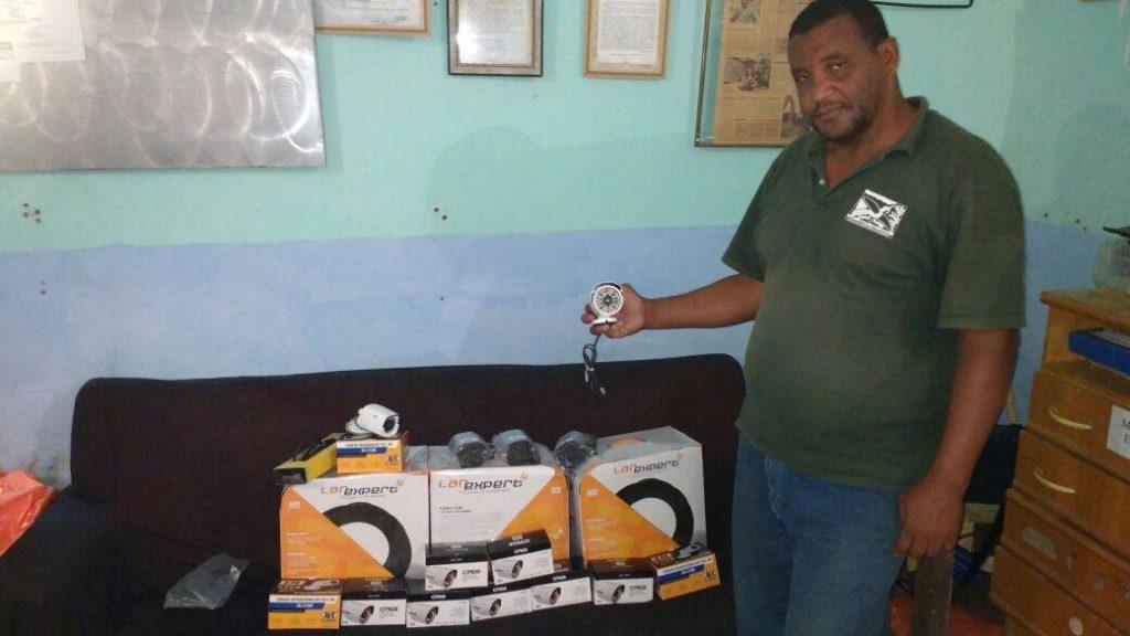 Bezerra with security cameras