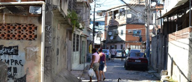 Inside the Complexo da Maré