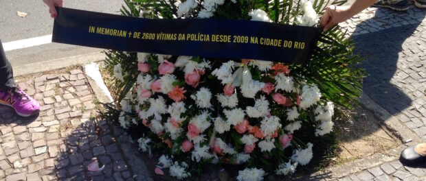 """In memoriam of the 2,600 police victims since 2009 in the city of Rio"""