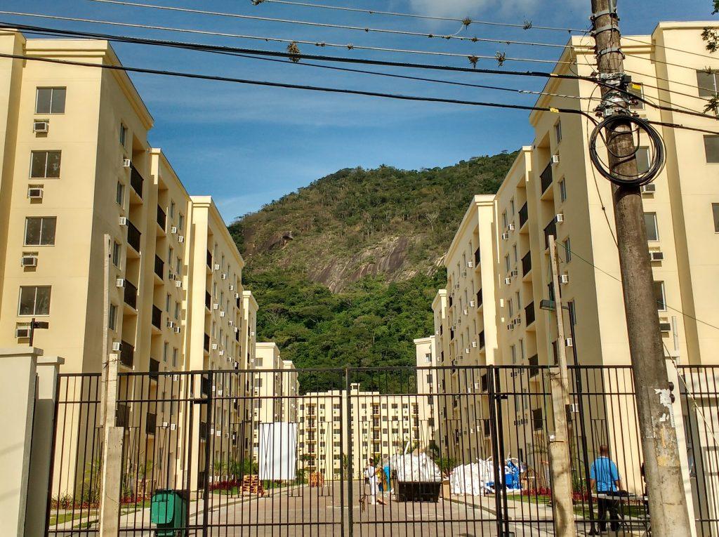 Media village condominium in Camorim