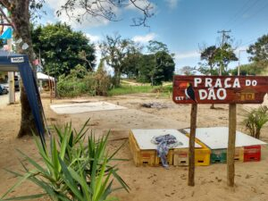 The community has dedicated a square on land it occupied from TDT to the memory of Jaisson Caique Santos, whose nickname was Dão.
