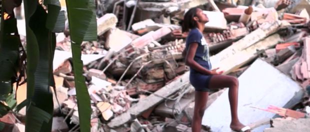 Screenshot from The Fighter: Naomy among the rubble