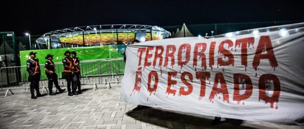 """""""It's the state that's terrorist."""" Photo from Os Jogos de Exclusão Facebook page"""