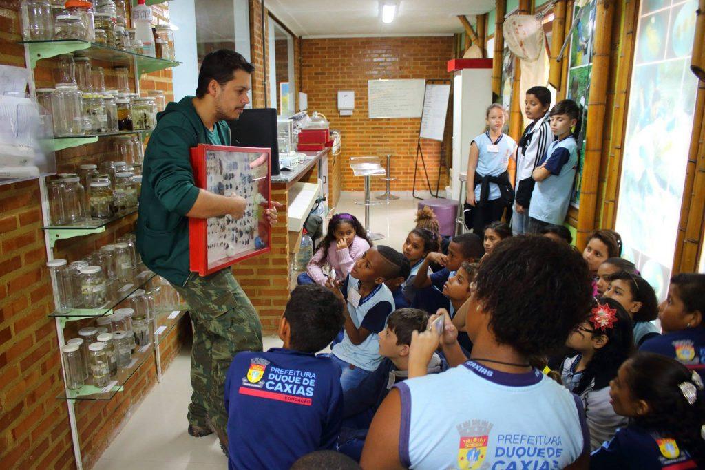 Primary school visit to Onda Verde. Photo by Diogo Luiz