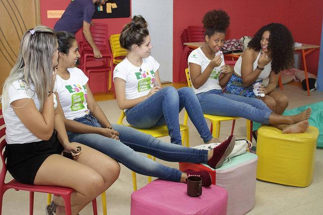 Young women's group meet at Onda Verde