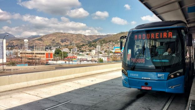 Considered one of the mainOlympic legacies, the line goes from the airport to the upmarket neighborhoods of Rio, crossing the peripheral neighborhoods. Photo by Felipe Barcellos