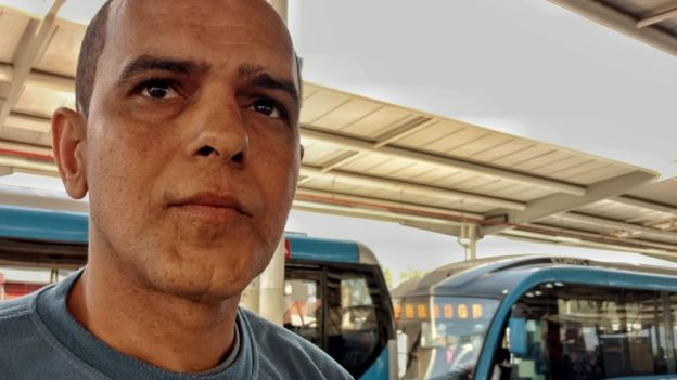 Aldair says that the BRT works helped him get work. Photo by Felipe Barcellos