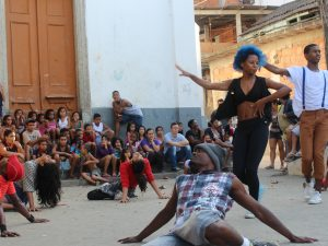 Efeito Urbano dance group perform at Providencia cultural festival. Photo by Miriane Peregrino