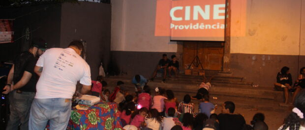 Cine Providência screened short films about the community and Port Region. Photo by Miriane Peregrino