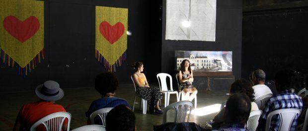 Journalists from O Cidadão open the first Community Communication Congress. Photo by Natalie Southwick